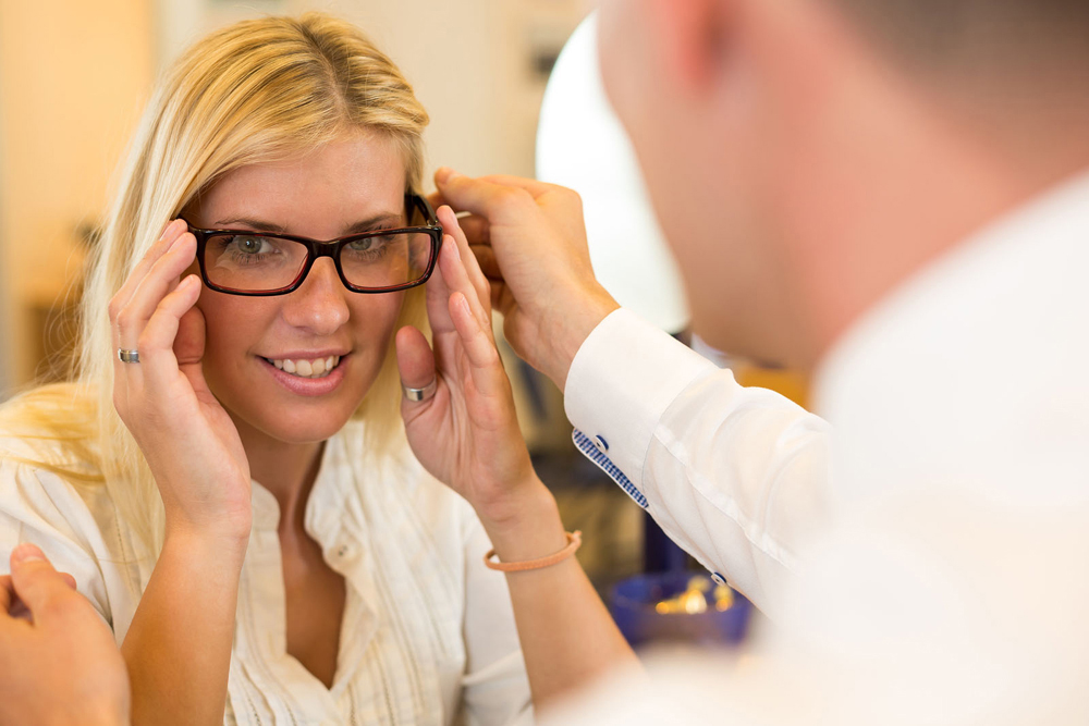 finding your ideal eyeglasses from your optometrist in maple ridge