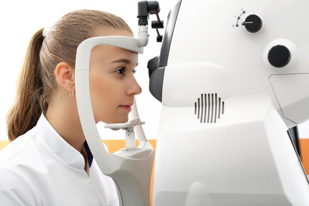OptimEYES Ashburn, VA optometrist provides routine eye exams and vision care to treatment for eye conditions and disease