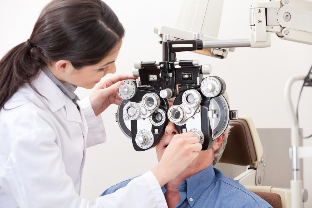 Man getting eye exam in Ashburn